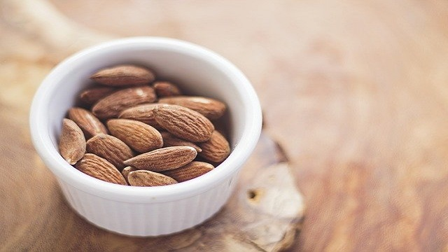 Almonds Eat In Daily Routine